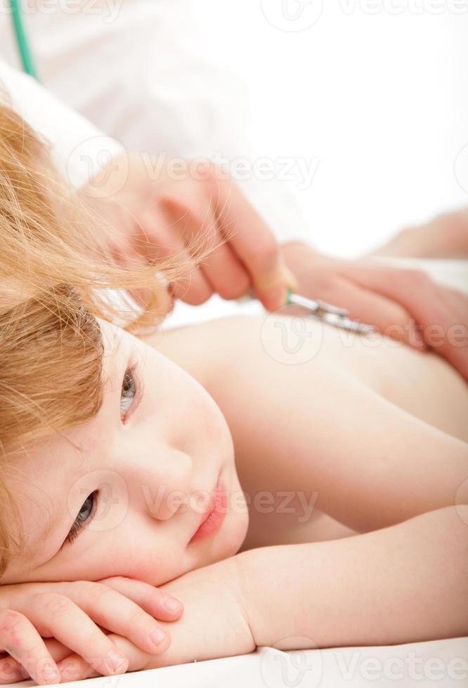 enfant mignon et un médecin photo