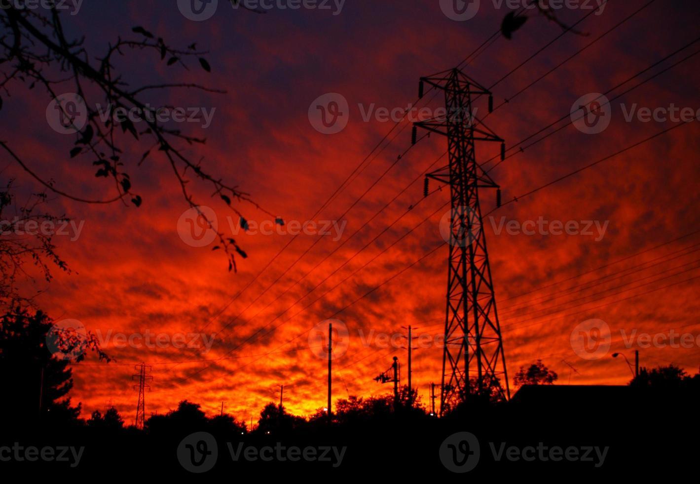 pylône électrique coucher de soleil photo