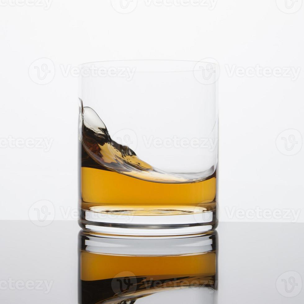vague de whisky photo