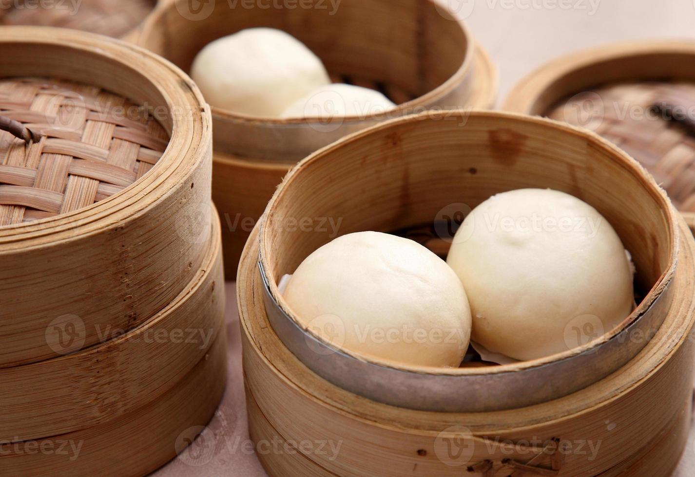 petits pains chinois cuits à la vapeur photo