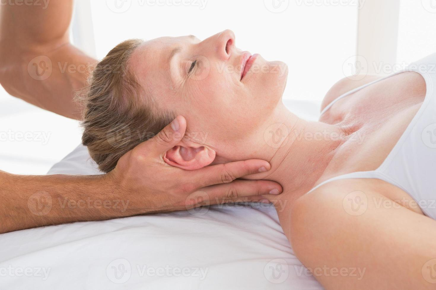 femme, réception, massage cou photo
