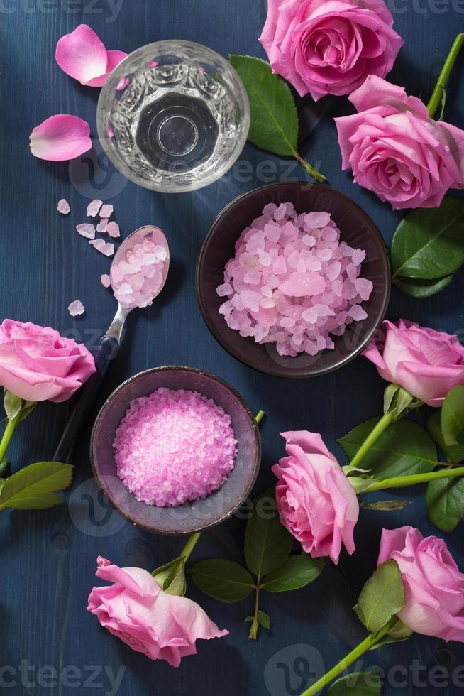 sel aux herbes de fleur de rose pour spa et aromathérapie photo