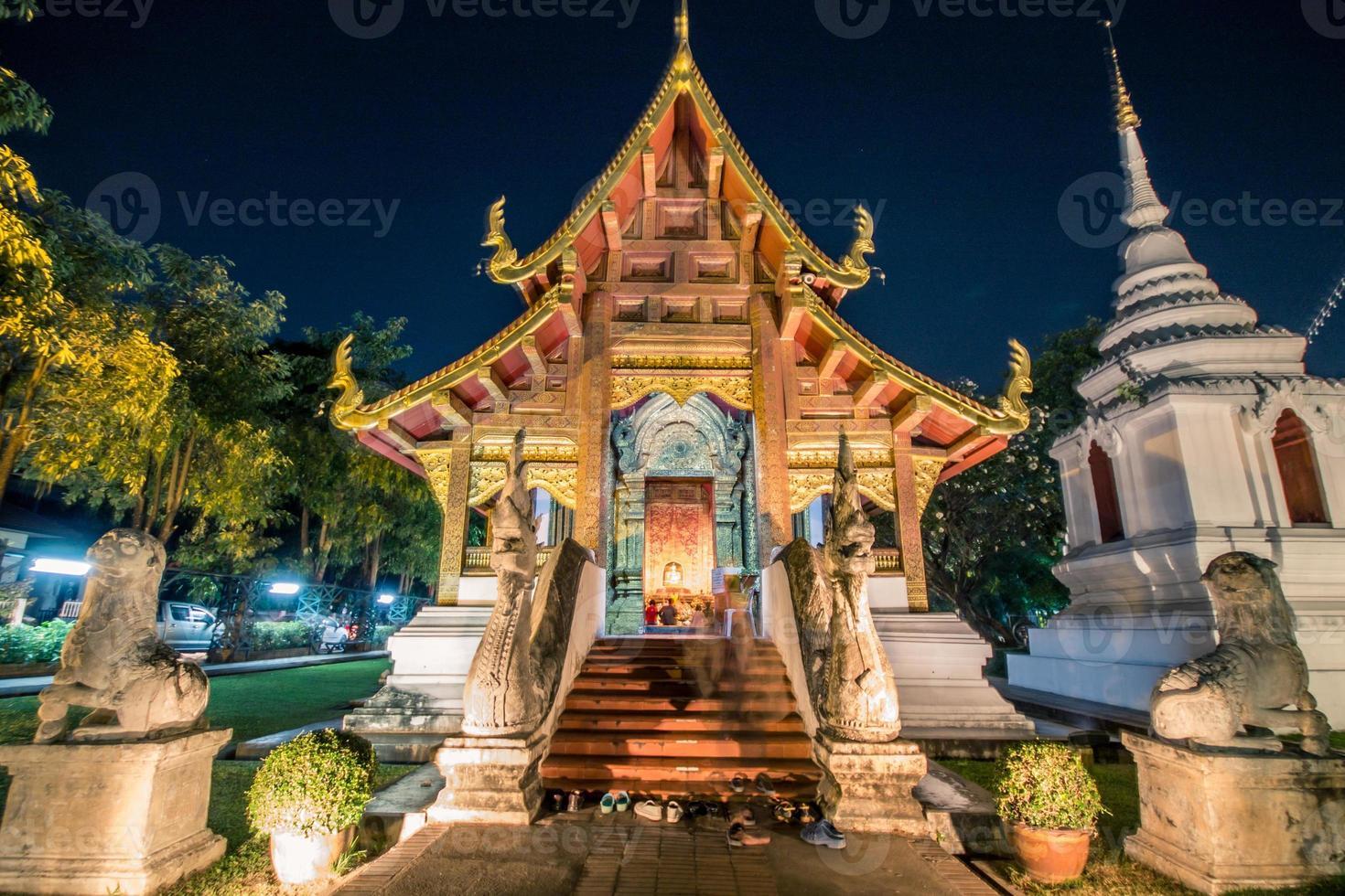 célèbre temple de chaing mai photo