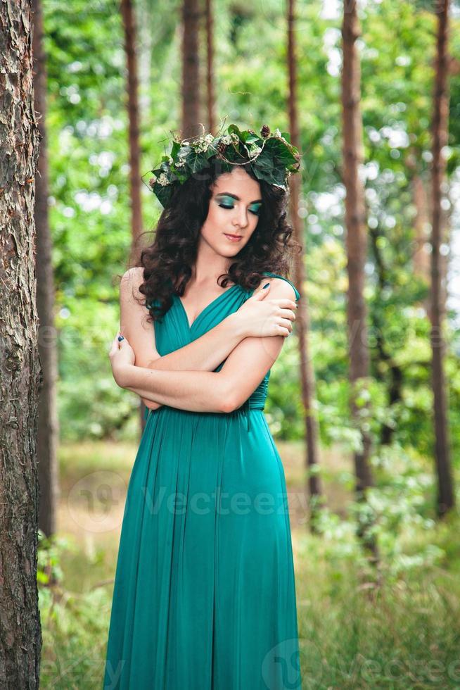 jolie fille avec une couronne photo