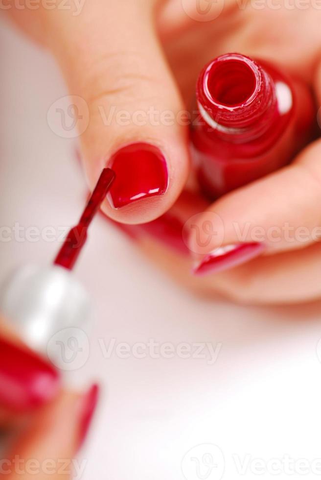 femme, demande, rouge, vernis à ongles photo