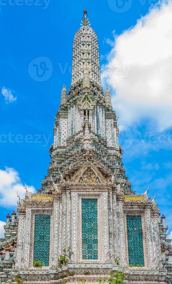 temple de wat arun photo