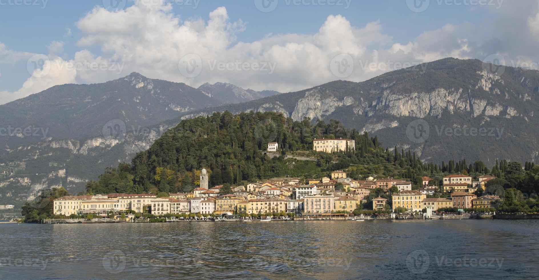villages, lac de côme, italie photo