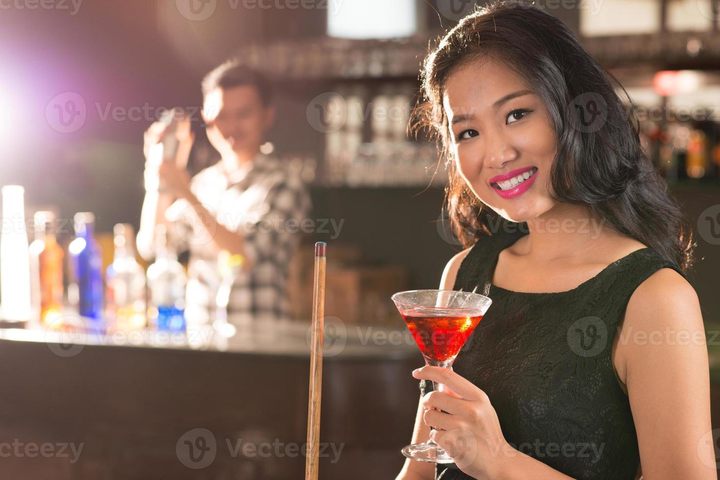 brunette asiatique photo