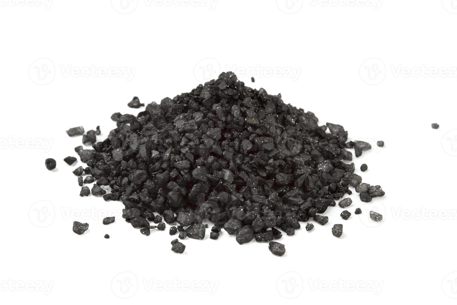 tas de sel de mer noir photo