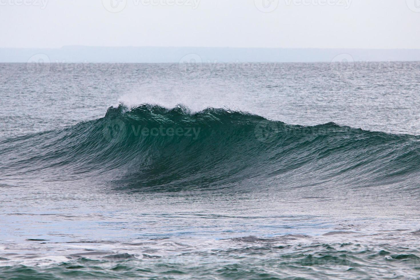 vague de l'océan qui tombe photo