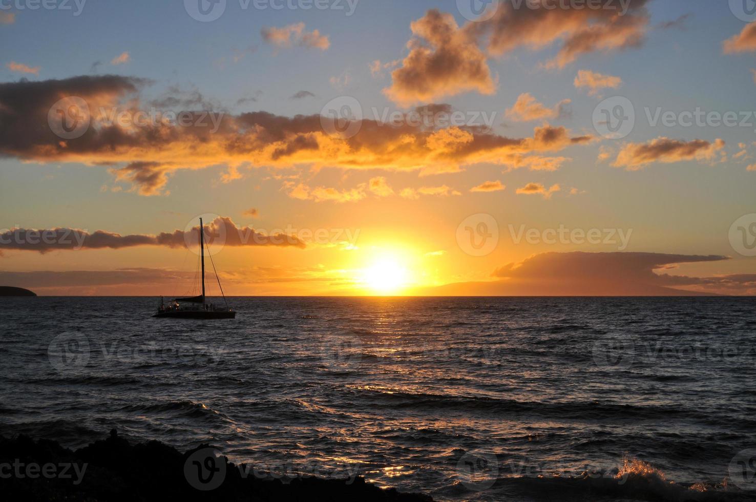 coucher de soleil à maui - hawaï photo