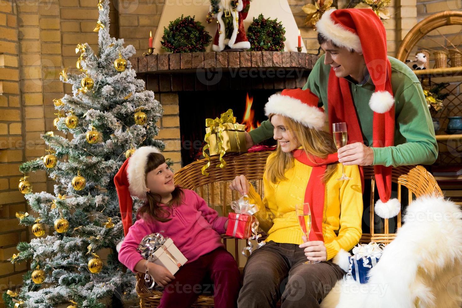 famille joyeuse photo