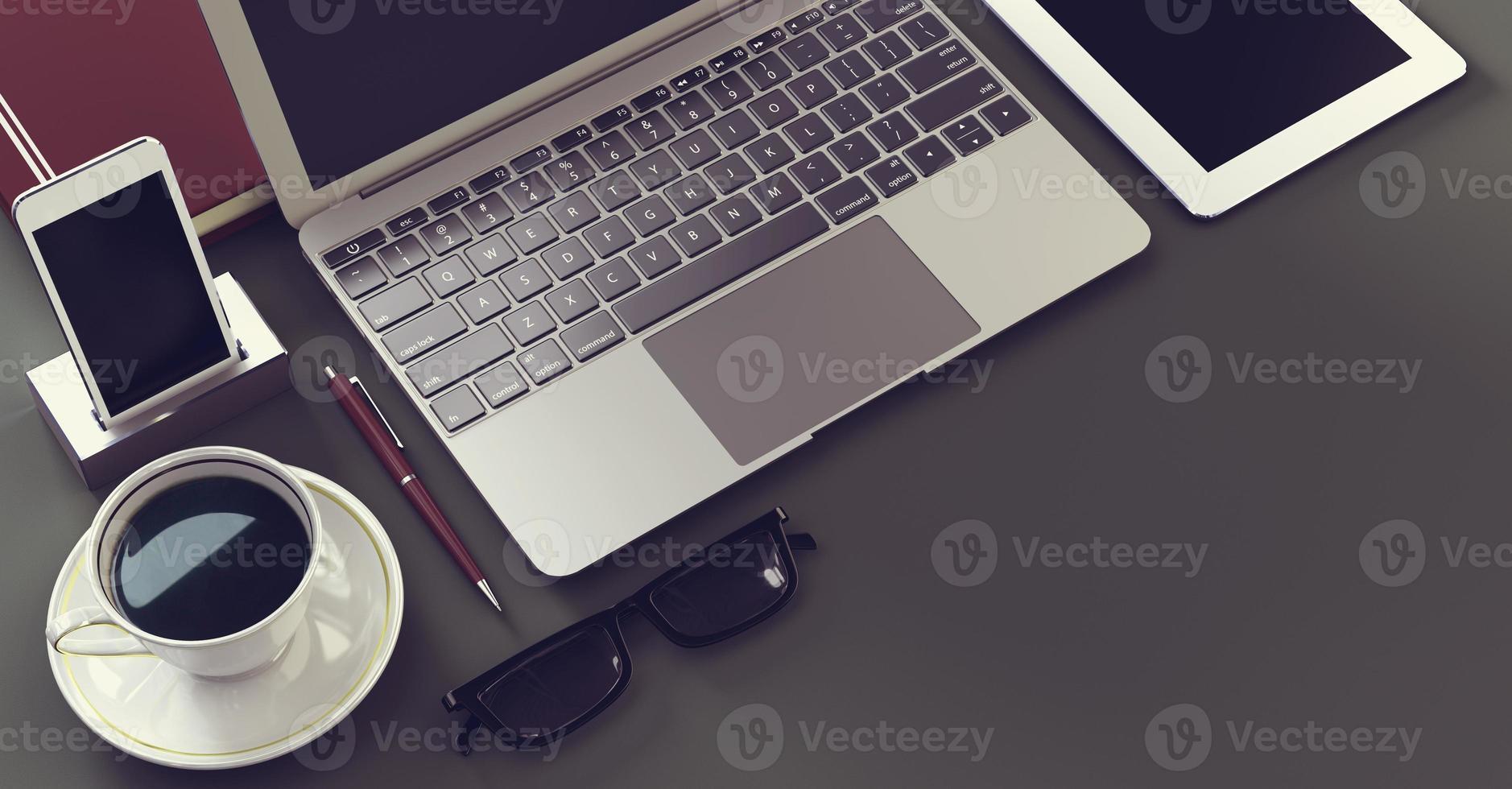 ordinateur portable avec tablette numérique et smartphone photo
