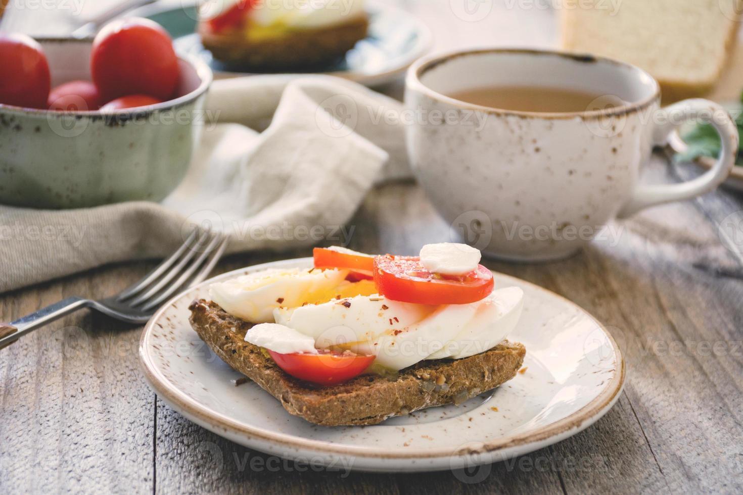 ensemble de table de petit déjeuner sain photo