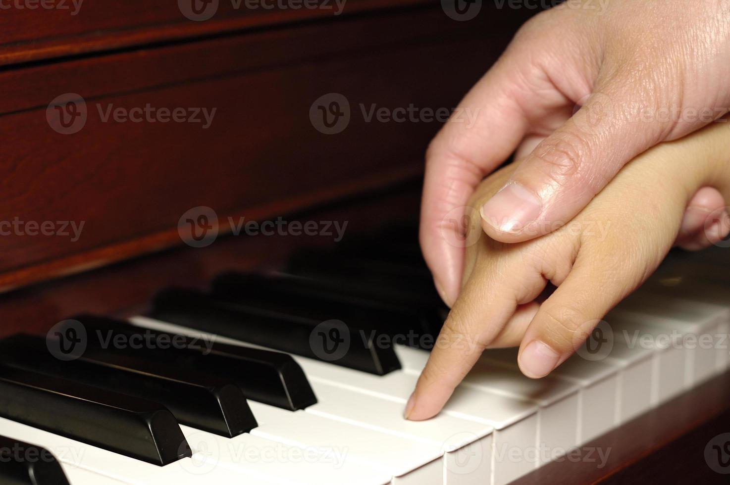 première leçon de piano photo