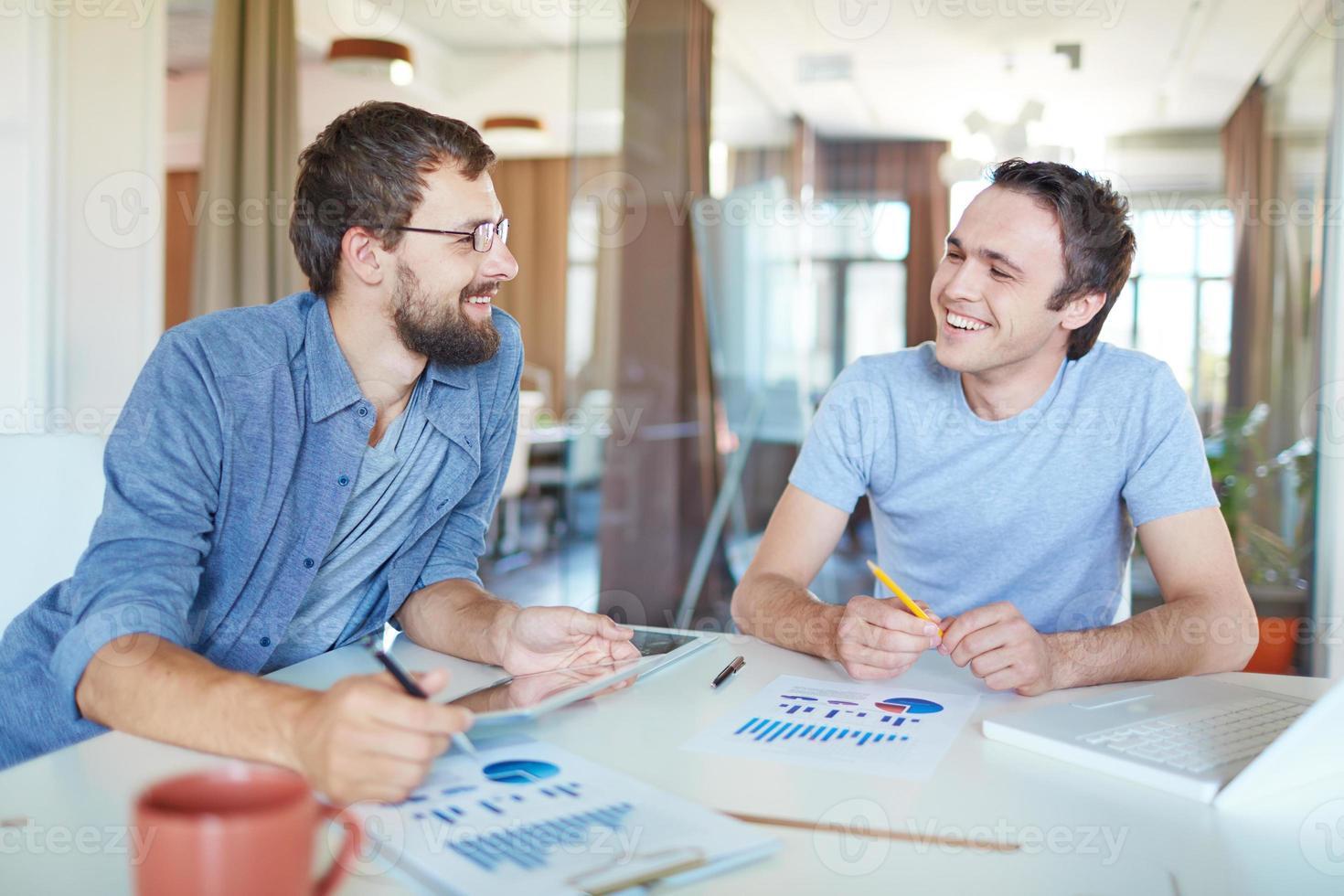 hommes affaires, conversation photo