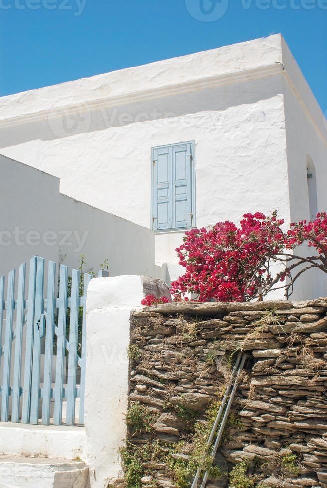 Maison grecque traditionnelle sur l'île de Sifnos, Grèce photo