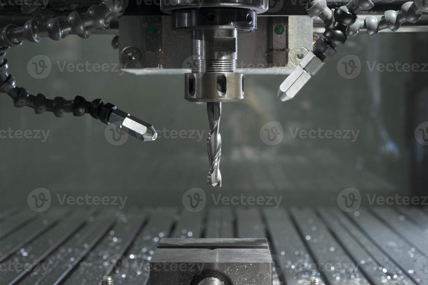 machine industrielle automatisée de traitement des métaux de moulin de commande numérique par ordinateur photo