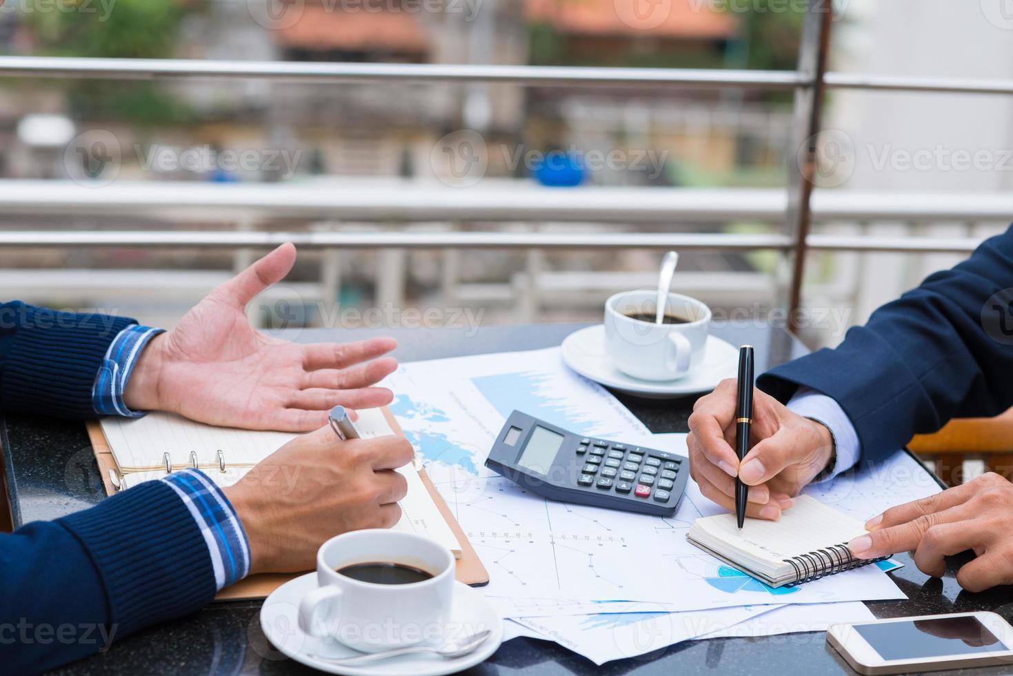 l'analyse des documents financiers photo