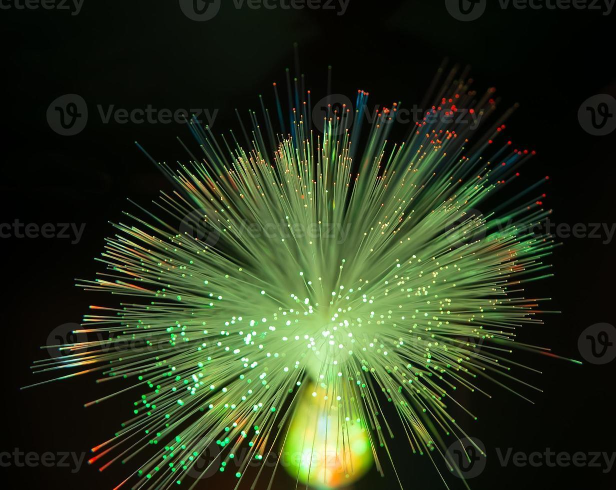 fibres optiques dinamic battant du plus profond sur fond de technologie photo