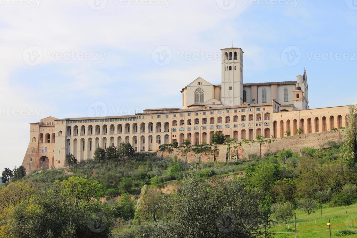 cathédrale saint francis à assisi photo