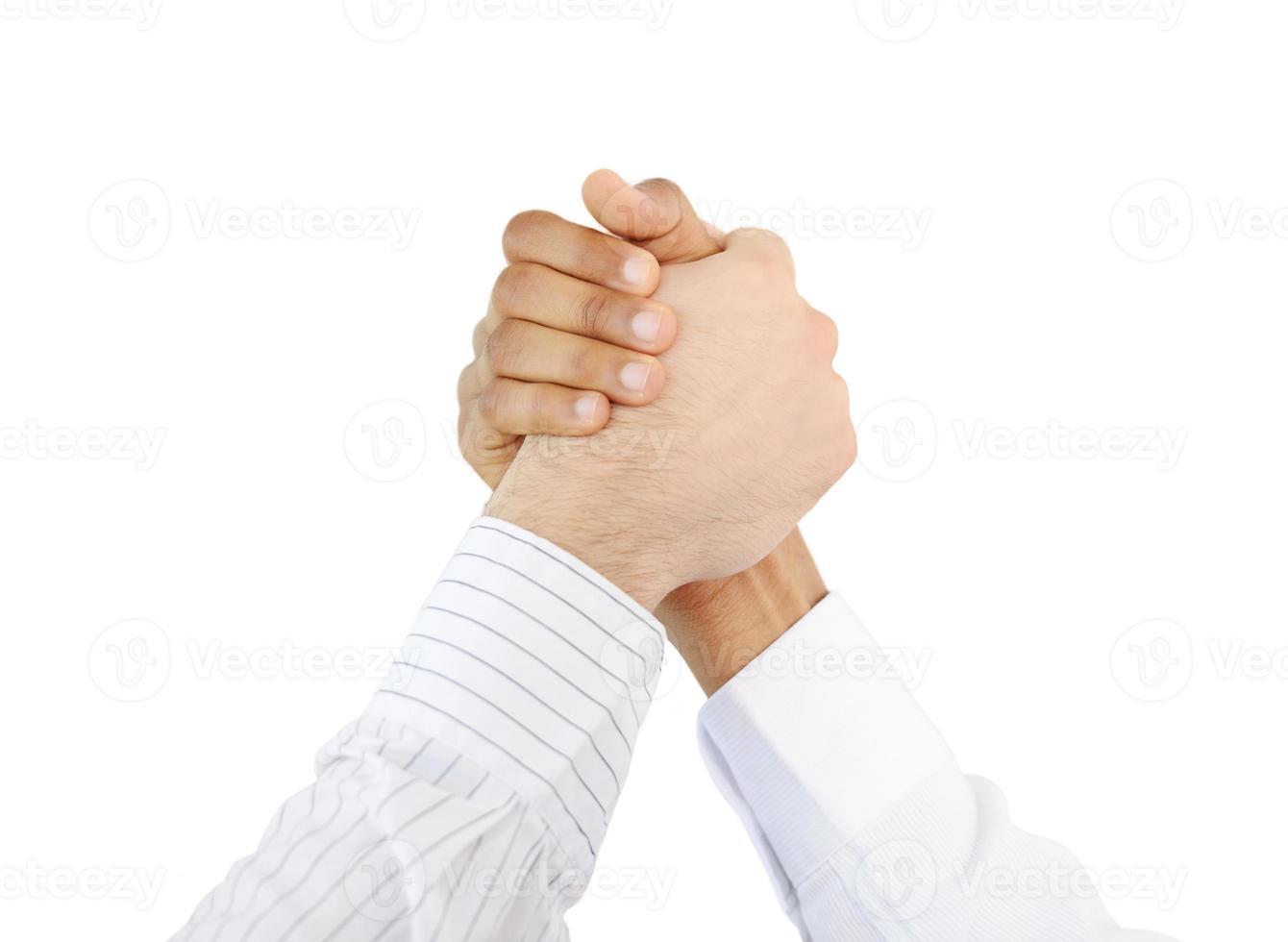 gens d'affaires prospères secouant la main après beaucoup photo