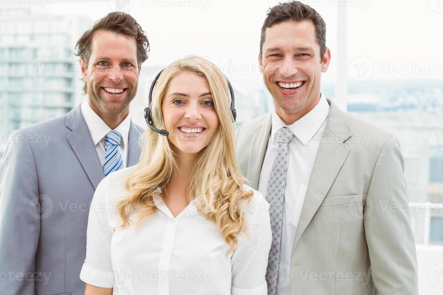 portrait, heureux, professionnels, bureau photo