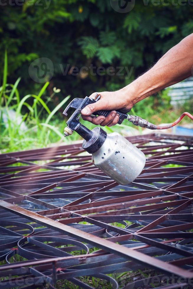 peinture du cadre en acier. photo