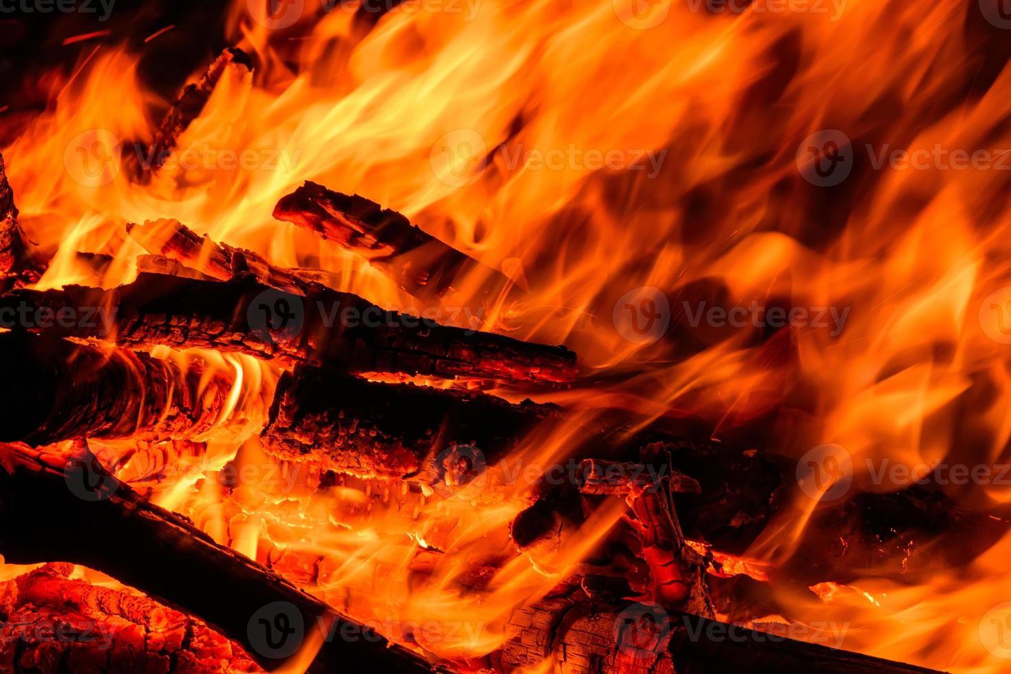 feu flamme feu de joie jaillit photo