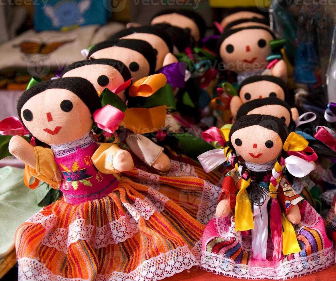 poupées lupita colorées mexique photo