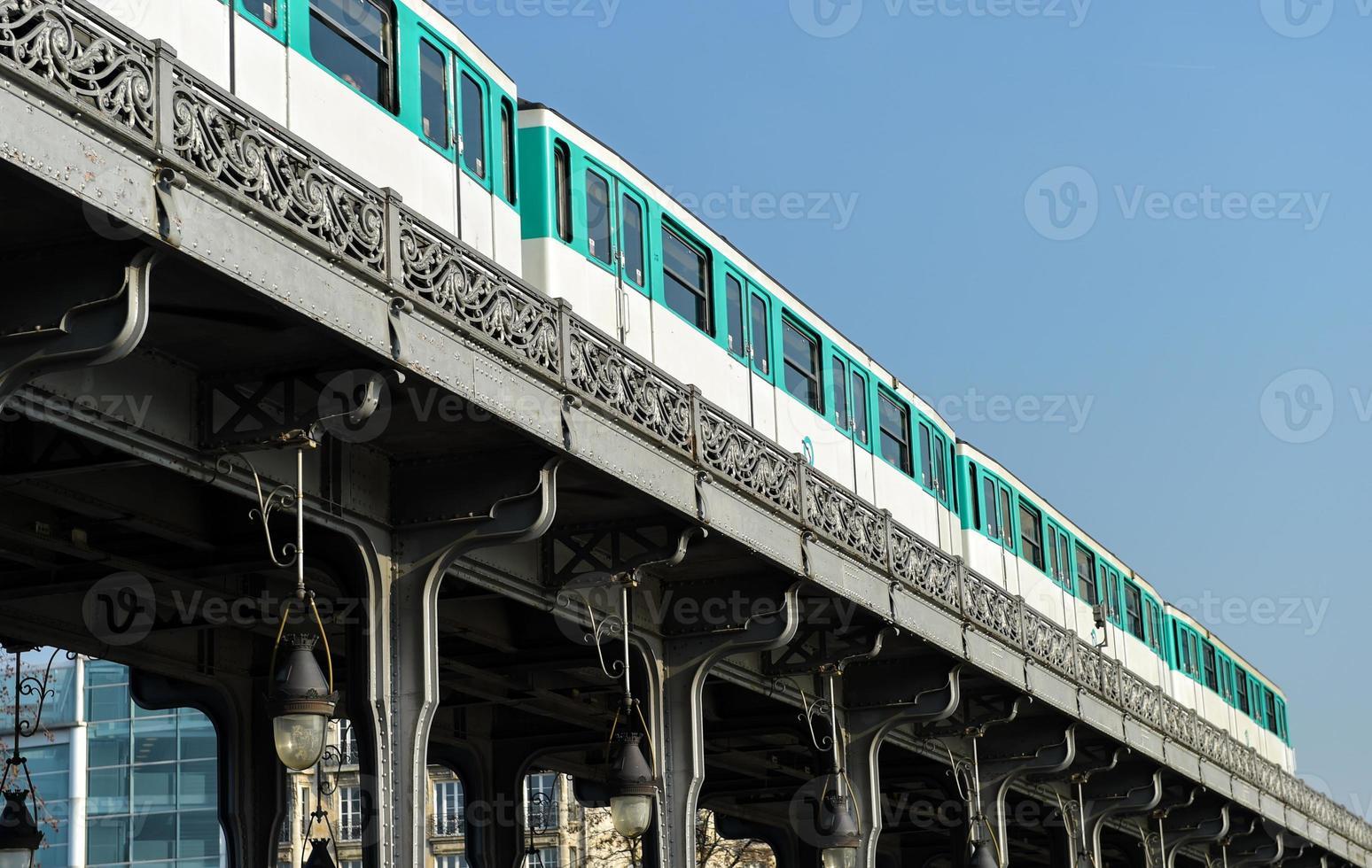 vie urbaine-métro parisien photo