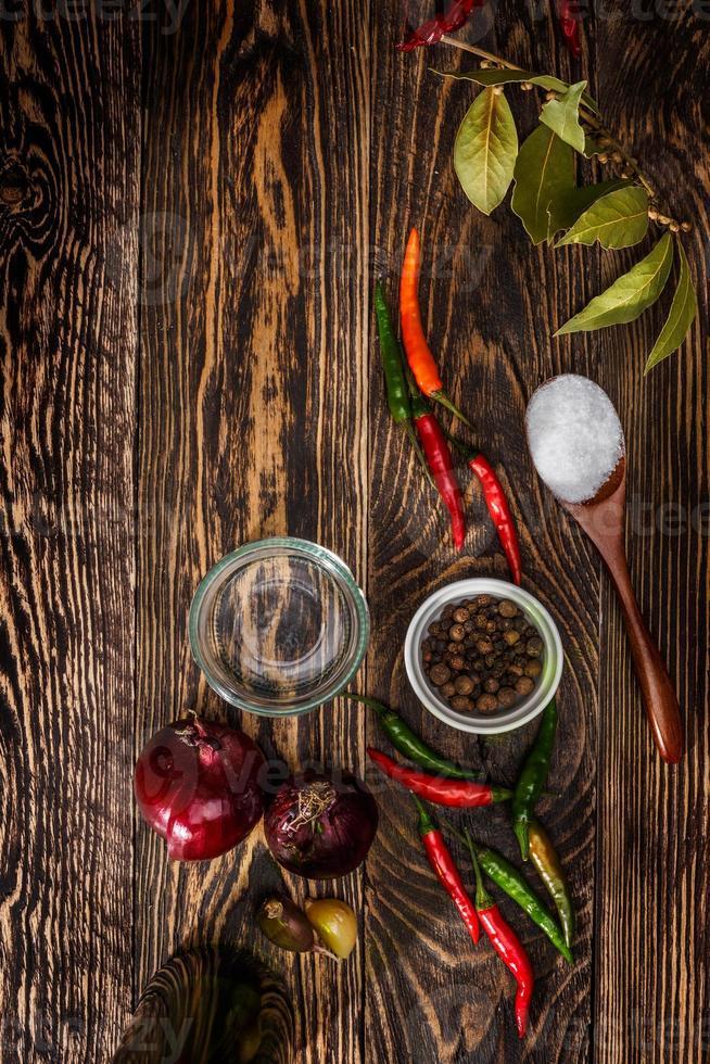 épices sur table photo