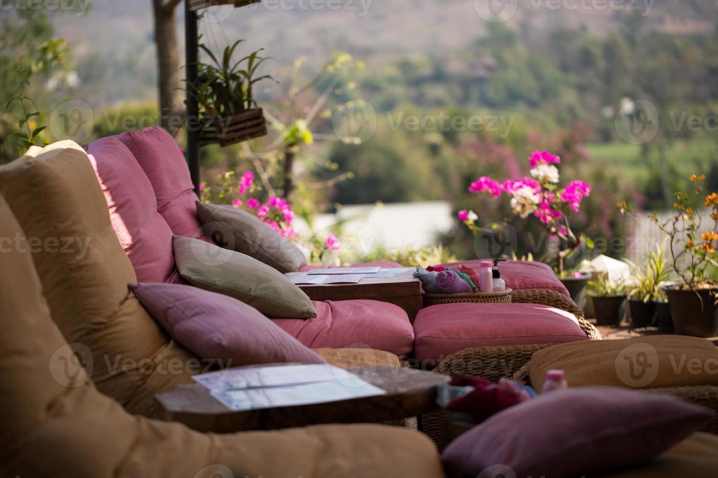 détendre les chaises d'extérieur photo