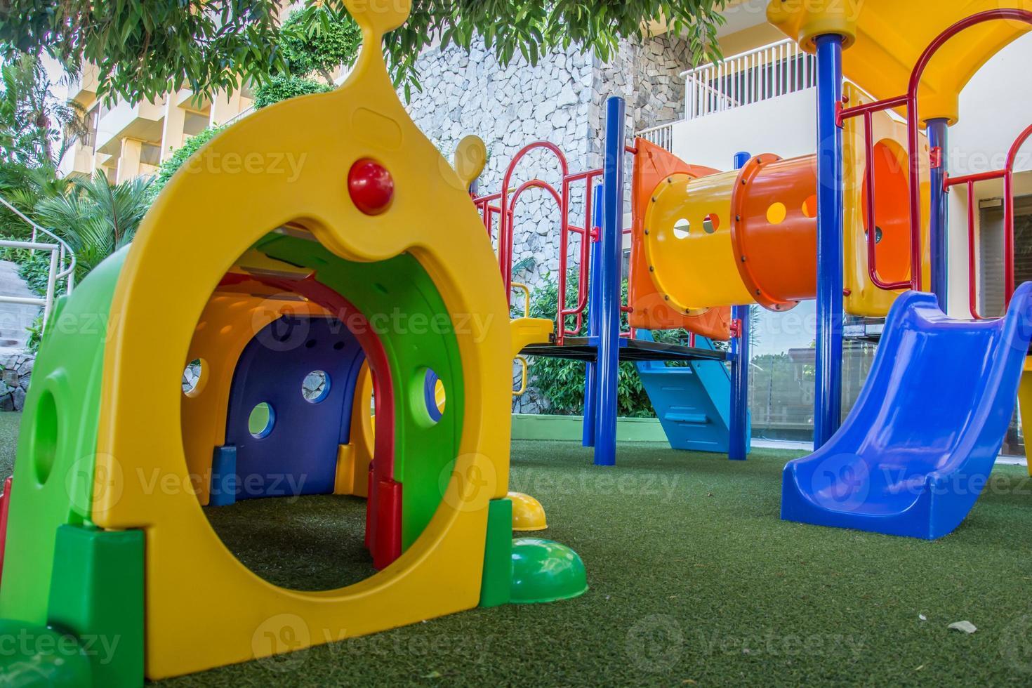 aire de jeux pour enfants photo