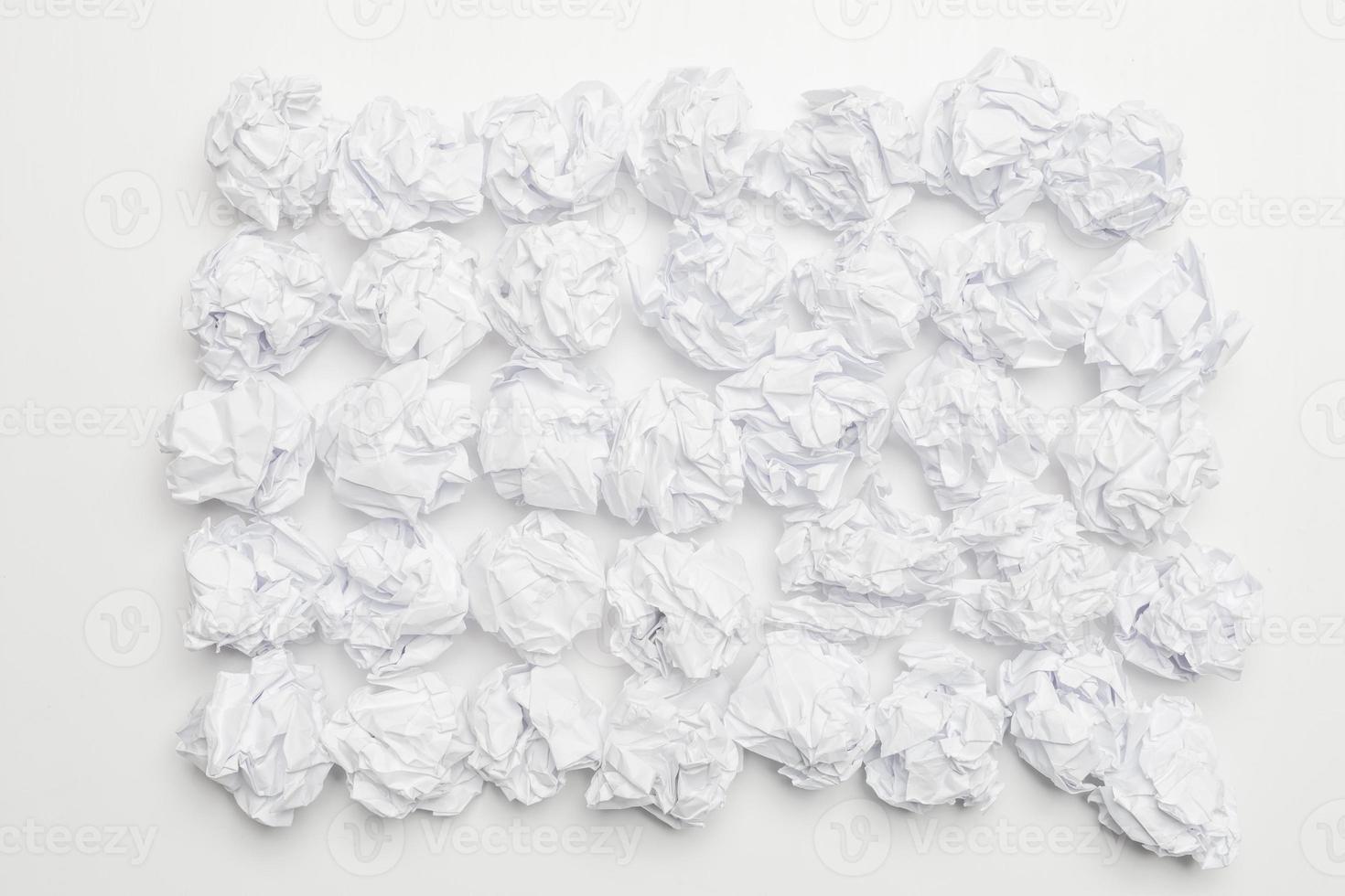 liasses en papier froissé photo
