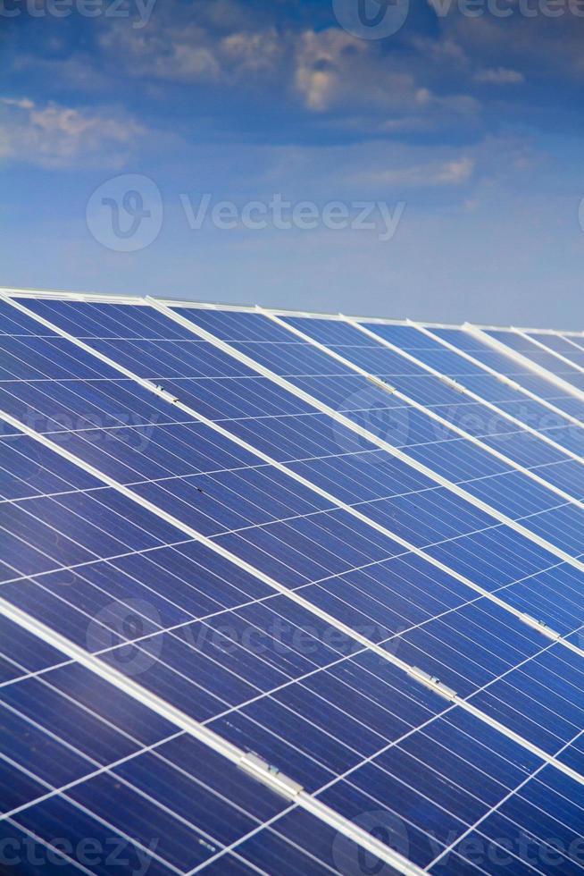 panneau solaire production d'électricité économie verte photo