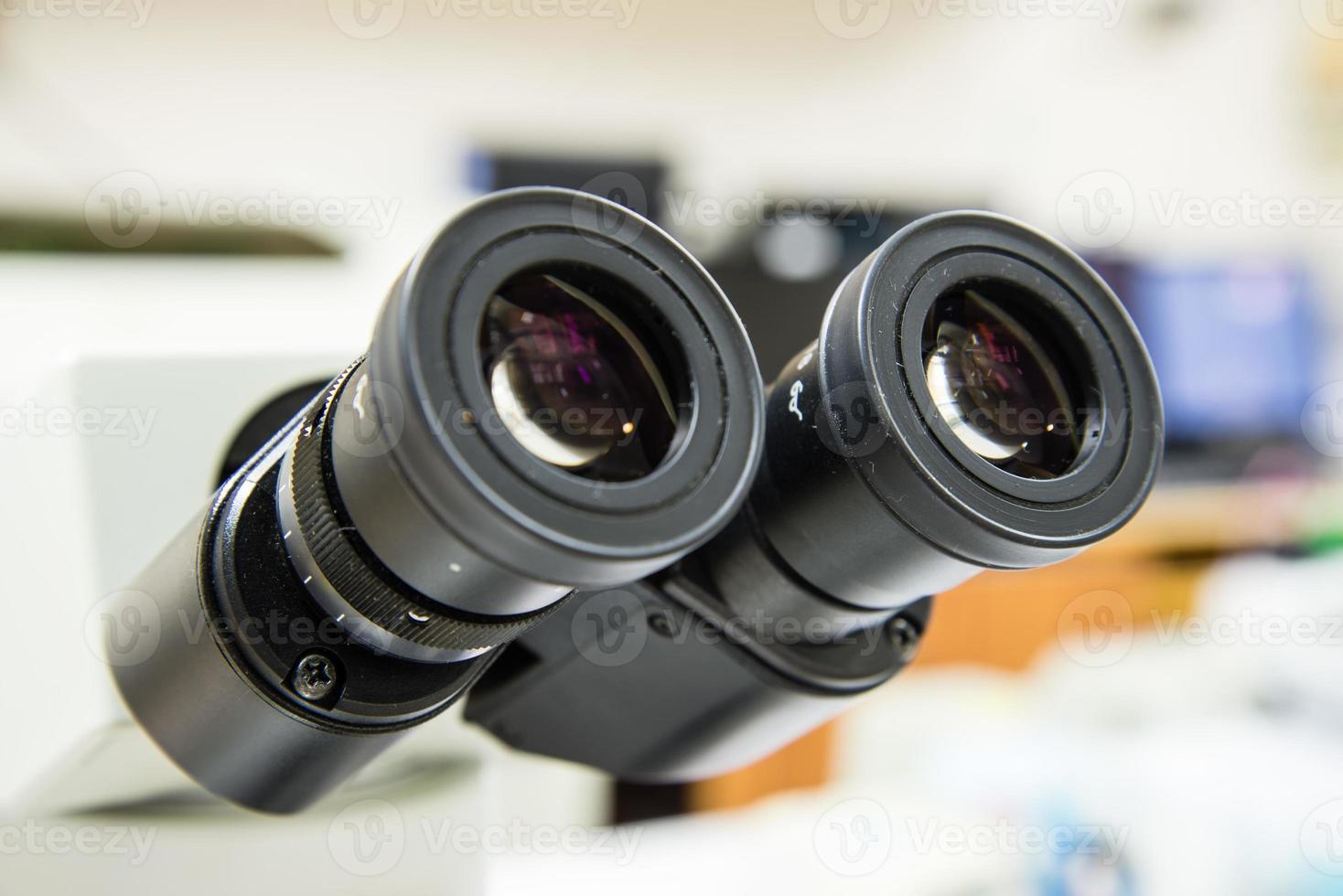 microscope oculaires agrandi. photo