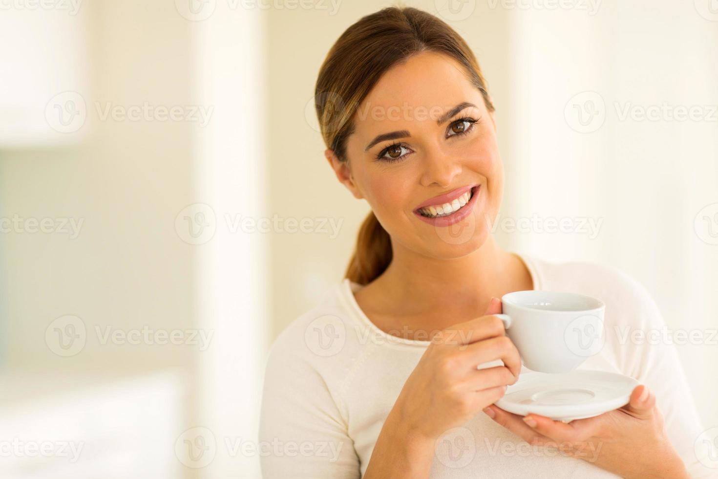 fille, boire du café photo