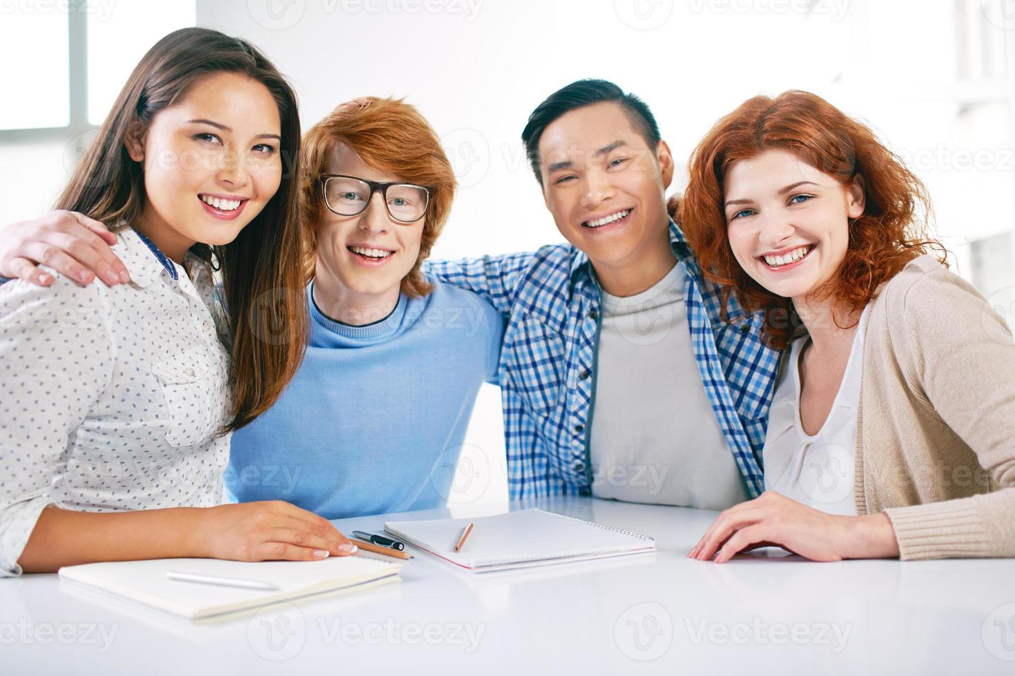 étudiants heureux photo