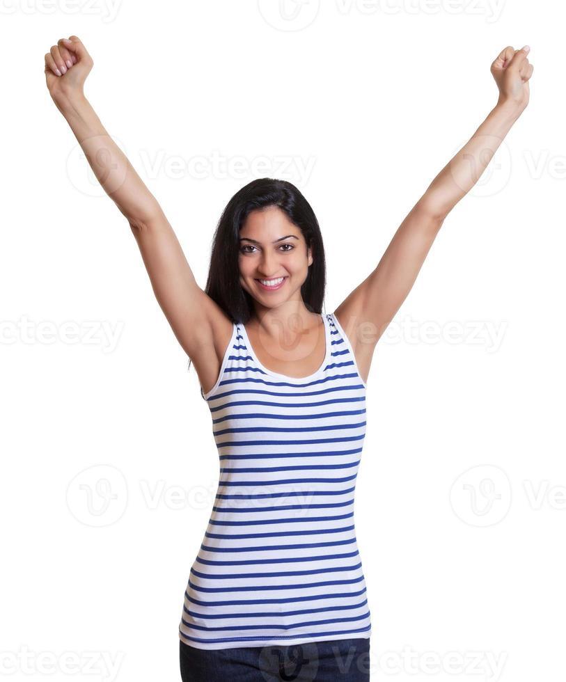 applaudir la femme turque dans une chemise rayée photo