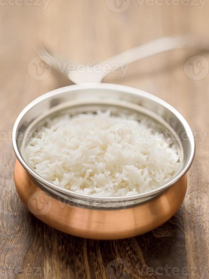 riz basmati à la vapeur indien photo