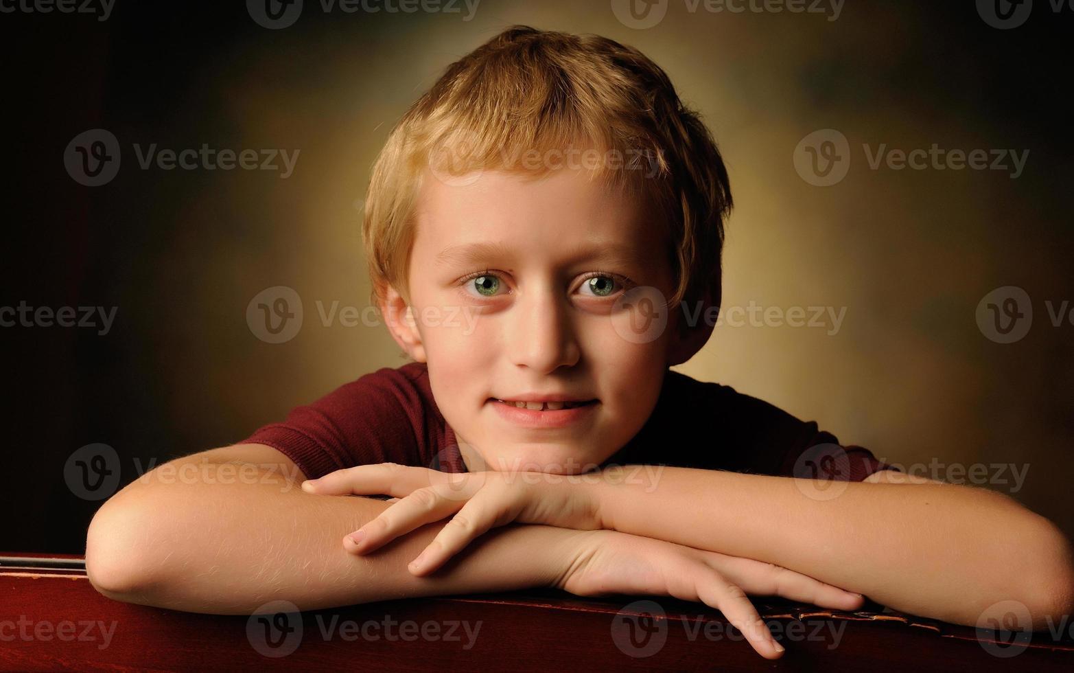 portrait, de, a, gai, 10 ans, garçon photo