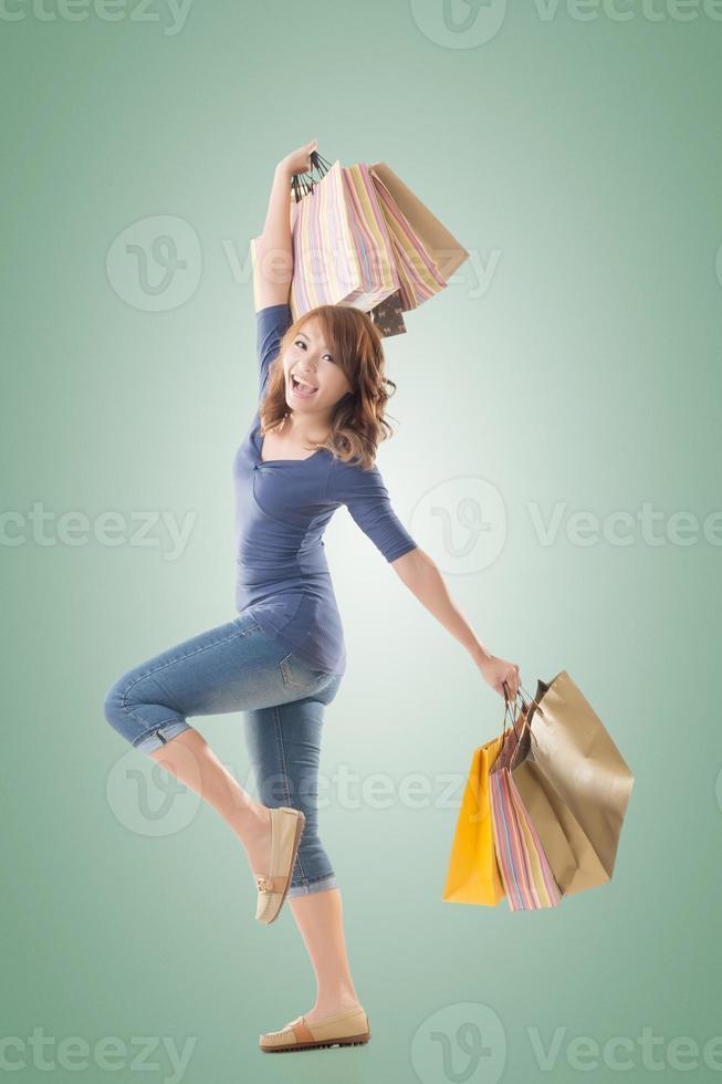femme commerçante joyeuse photo