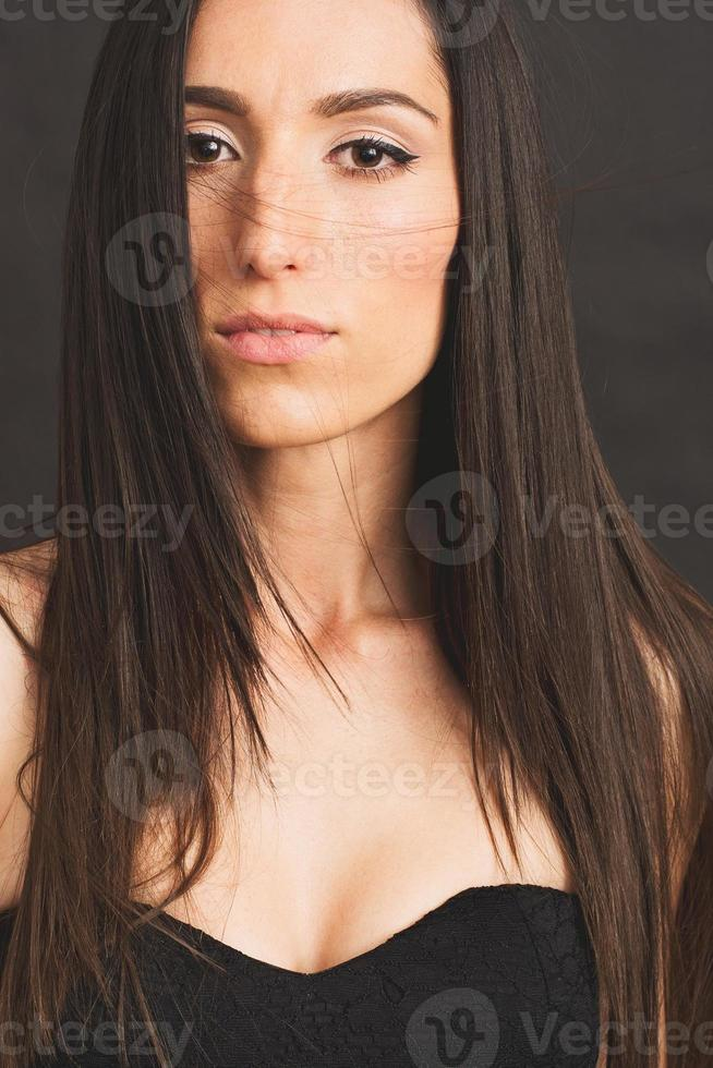 femme brune - Photo