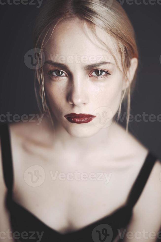 photo de mode de la beauté blonde.