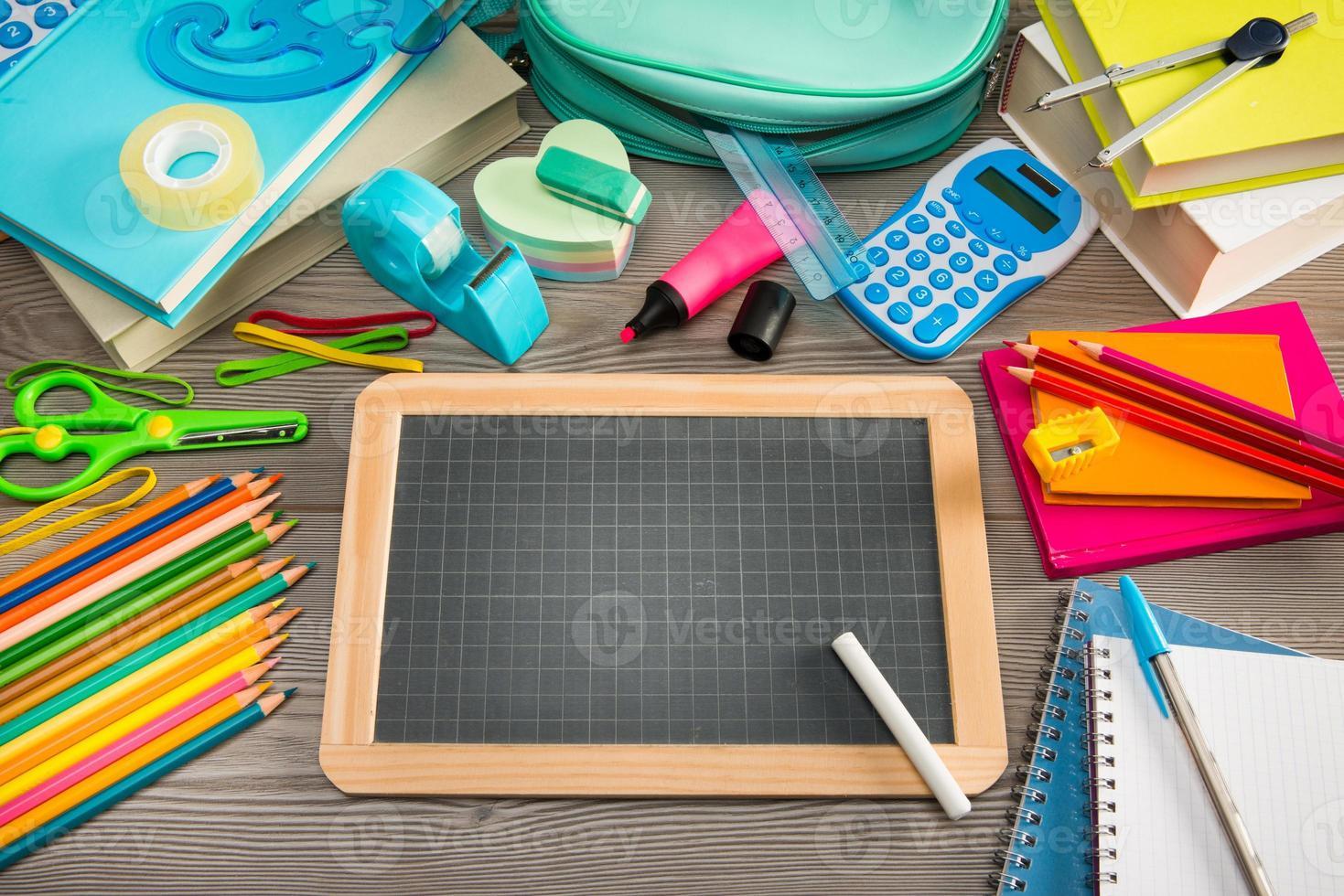 retour à l'école avec tableau noir photo