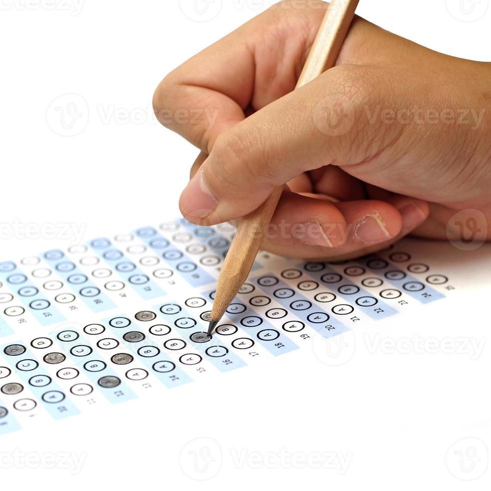 feuille de réponses score au test avec un crayon photo