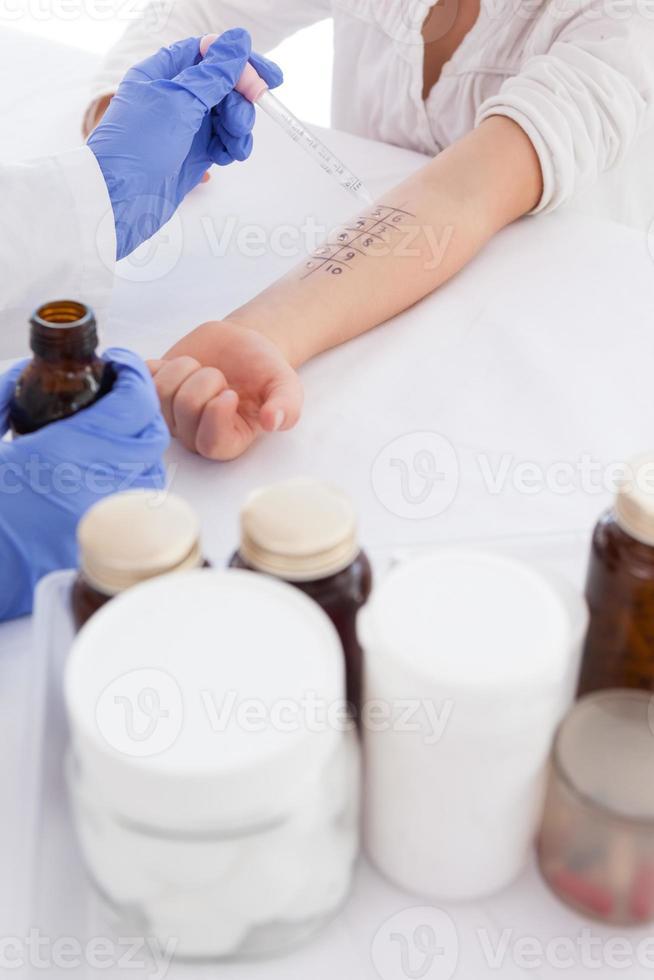 docteur, faire, piquer peau, essai, sien, patient photo