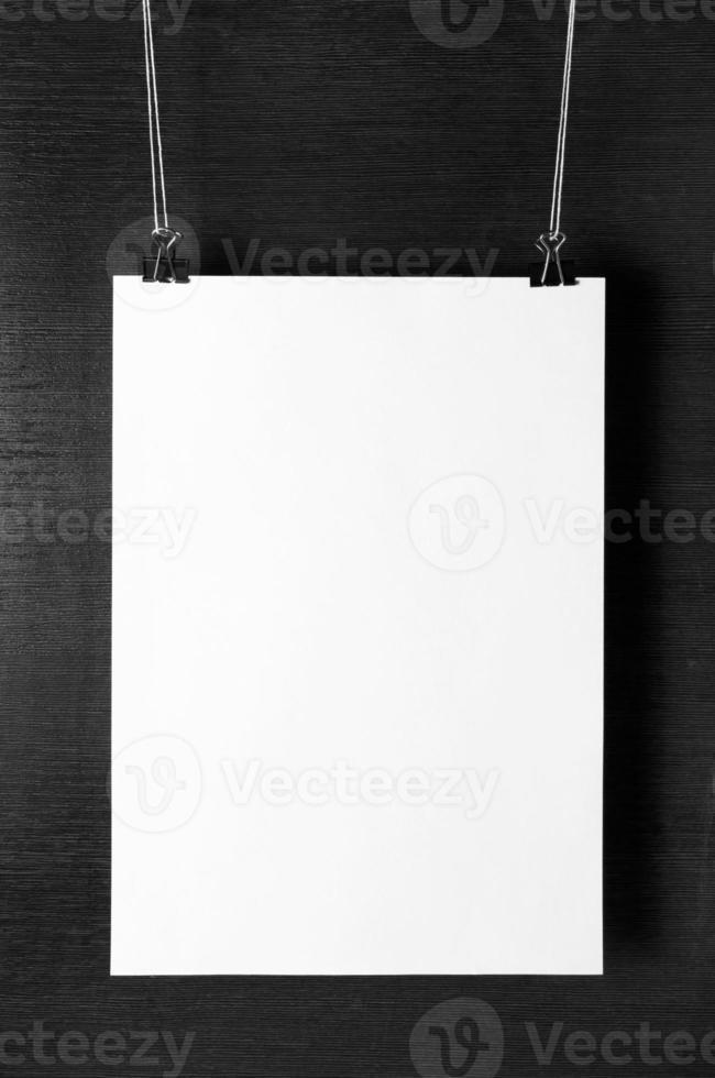 affiche de papier blanc vierge photo