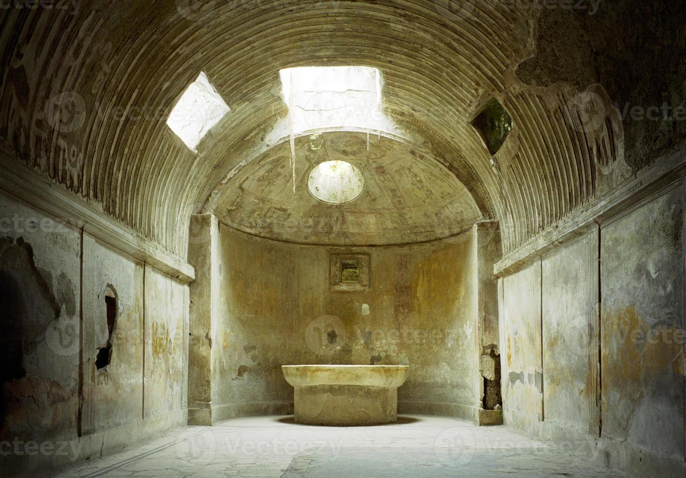 thermes, bains romains, pompeii photo